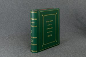 Imitation Leather Minute Book by MinuteBooks.com